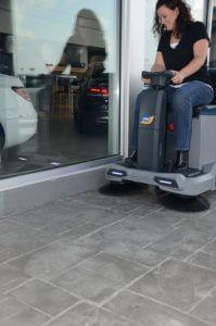 HammerHead 870 Floor Sweeper