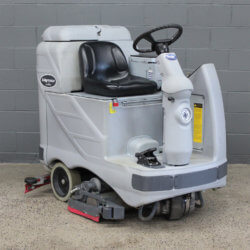 Used Advance Adgressor X3220C Rider Scrubber