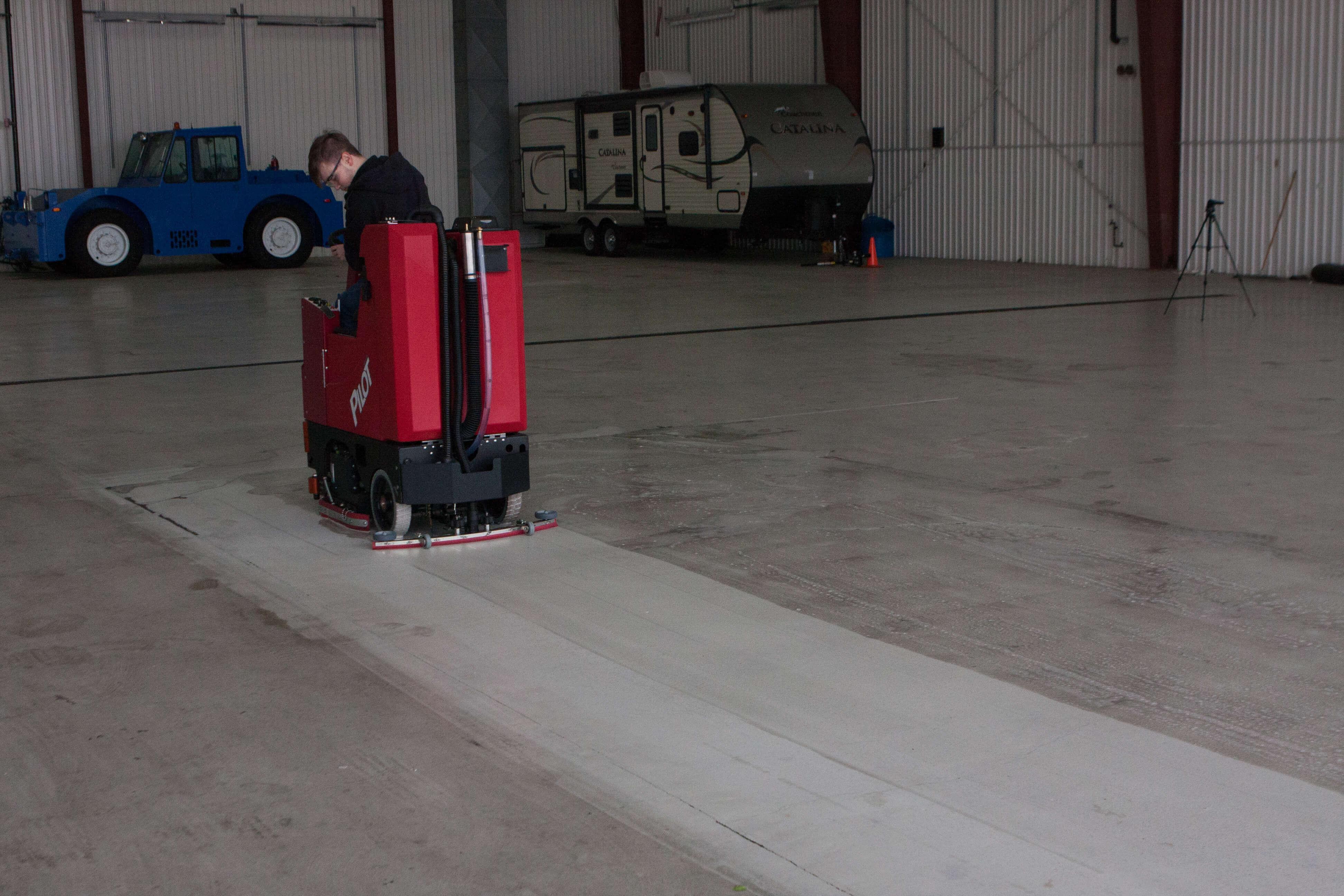 bortek tomcat scrubber home taraba to powered cat hd compare review floors concrete floor tennant battery pilot factory