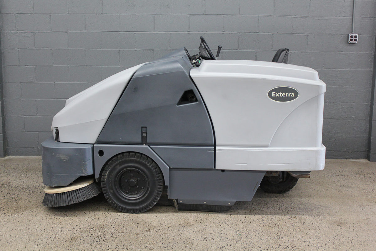 Reconditioned Advance Exterra Sweeper 5340G Side